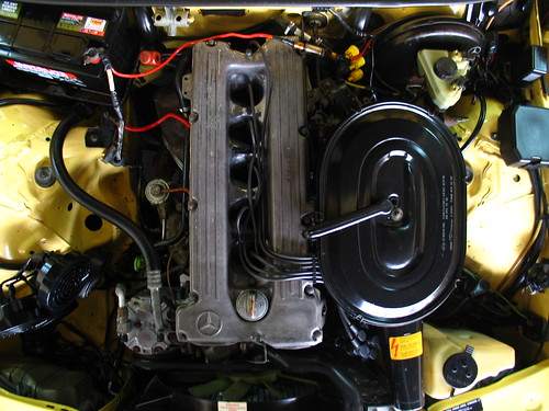 M110 Engine 1983 Mercedes Benz W123 280e Engine Bay