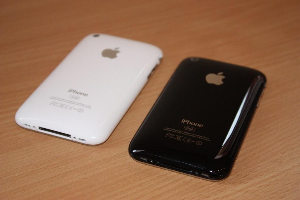 iPhone 3GS prišiel v bielej ale aj čiernej verzii - svetapple.sk