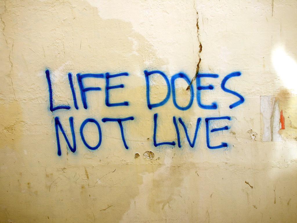 Pretentious Crap Graffiti | Hmmm. Deep. Stoner rubbish, if y… | Flickr
