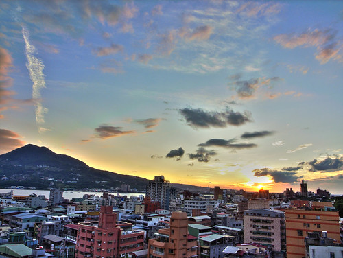 Sunset at Tamsui | by LoBsTeRbig