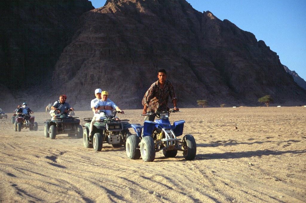 Nel Deserto Nel Deserto Con Moto a 4