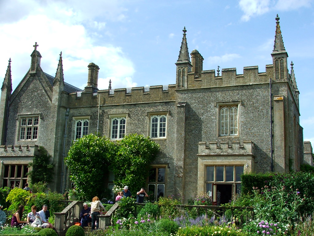 Victorian Manor House Cotswold Wildlife Park The
