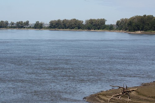 where does the missouri and mississippi river meet