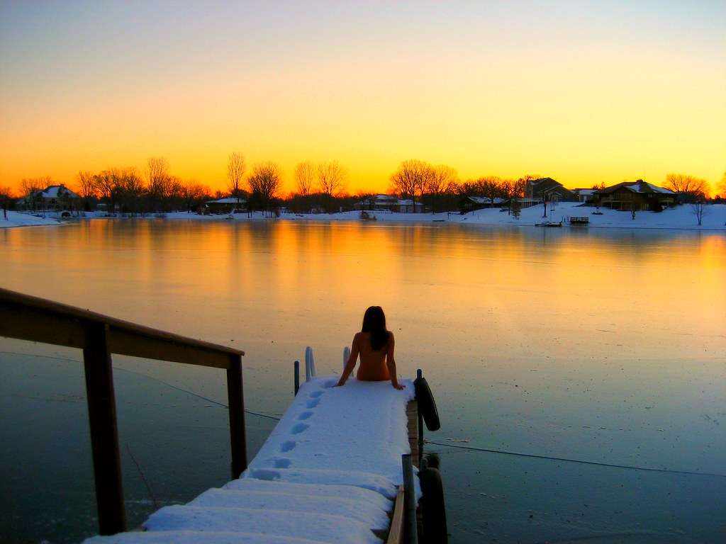 Naked by Lake in Snow   Naked by Lake in Snow Photoshoot