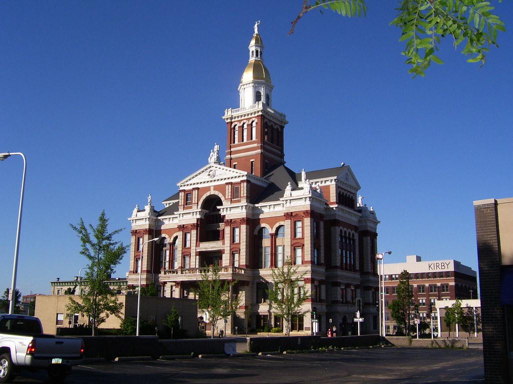 Dubuque IA - Dubuque County Court House | karas hall | Flickr