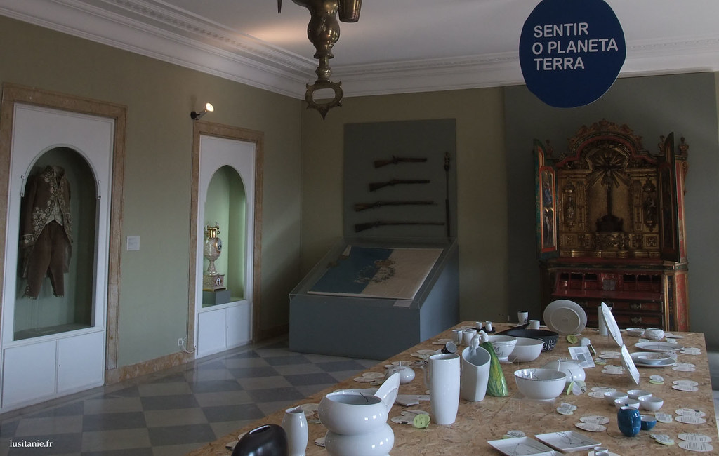 Les pièces sont variées, retraçant le contexte historique des débuts de Vista Alegre