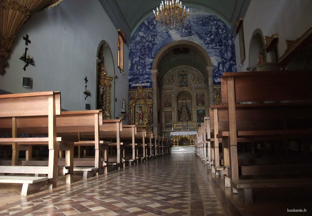 Nef de l'église baroque