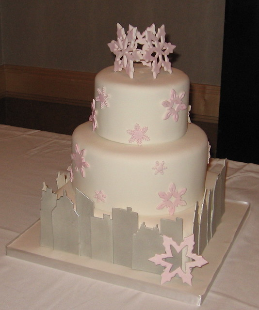 winter ny skyline cake at the party | Madagascar vanilla bea ...