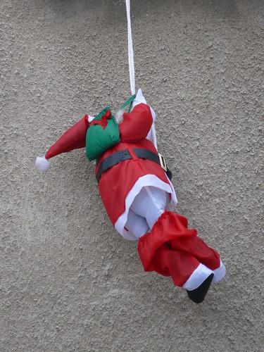 Weihnachtsmann am Seil
