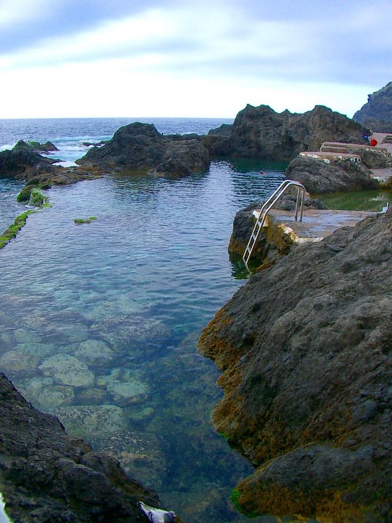 Piscina natural piscinas naturales de el calet n en for Piscinas naturales de tenerife