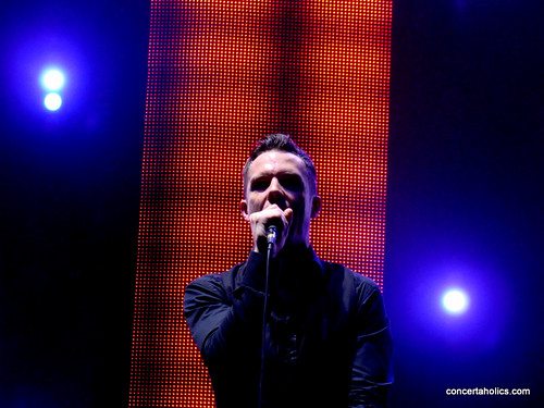 The Killers | Toronto | Molson Amphitheatre | 2009 | Brandon Flowers | by Jeff | concertaholics.com