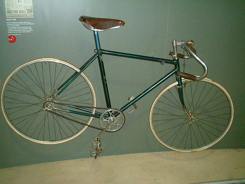 vintage baxter star racing bicycle on display in glasgow