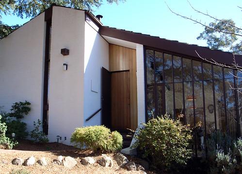Pettit sevitt mk ii split level 30 rosebery street fis for New home designs canberra