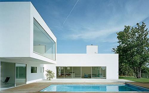 Modern minimalist white villa white villa architecture for Modern minimalist villa