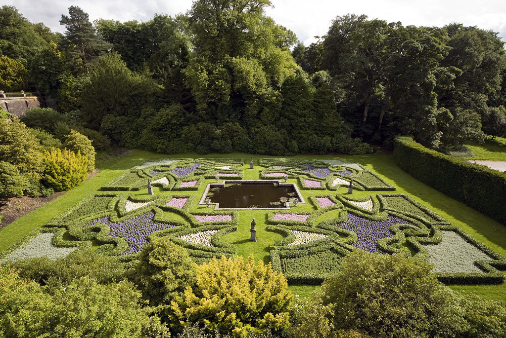 Gb lyme park cheshire 02 sunken 39 dutch 39 parterre garden for Parterre 3d