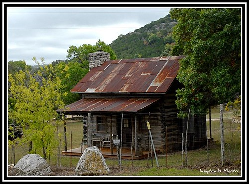Texas hill country cabin ain 39 t a gonna need this house for Texas hill country cabin builders
