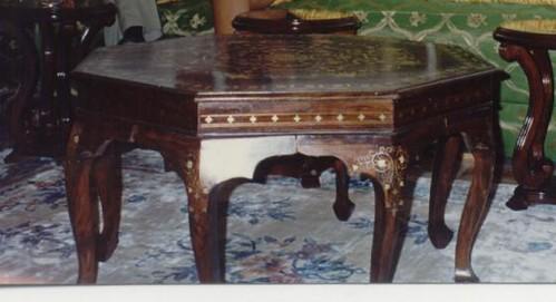 Table salon table centrale salon marocain format for Table a the marocaine