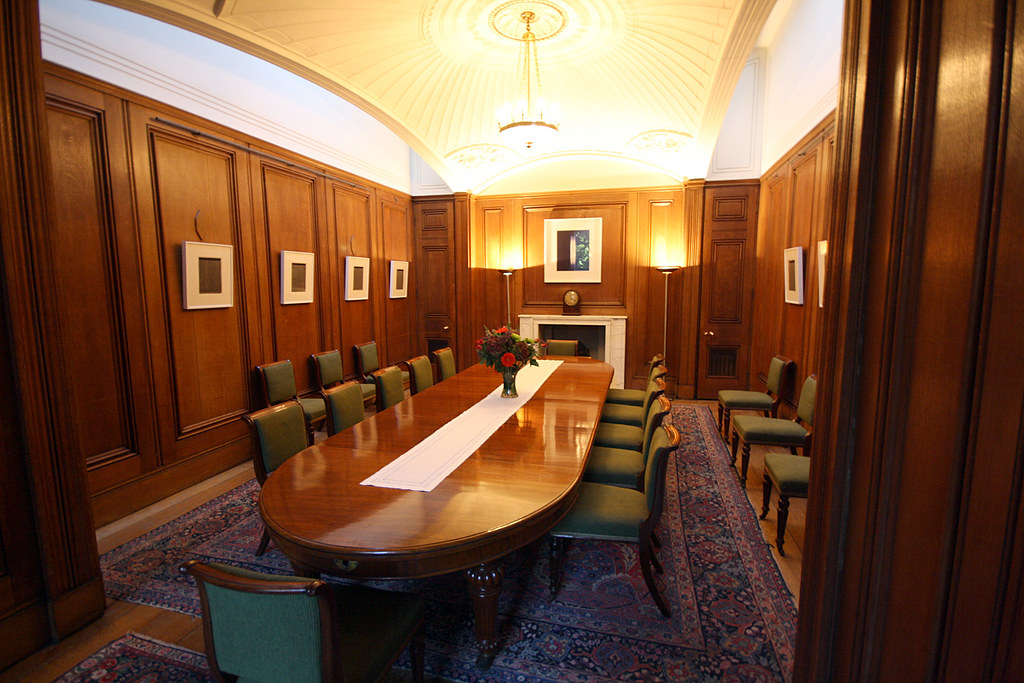 No 11 downing street photograph of the state dining Small dining rooms london