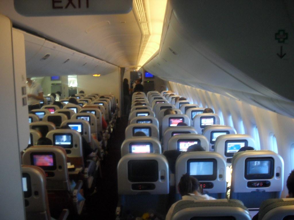 Boeing 777 300er interior brand new 777 across the for Boeing 777 interior