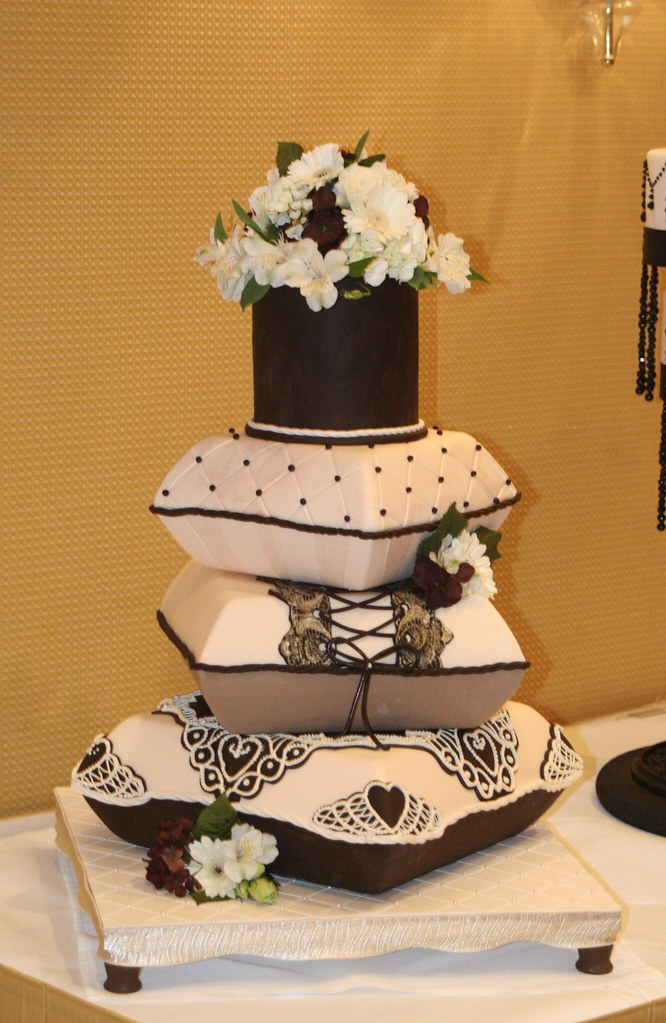 pillow wedding cake photos pillow stack cake pillow stack cake for weddings 18517