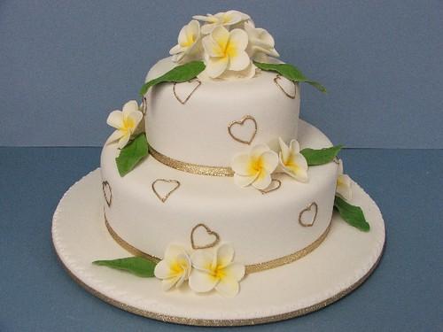 Two Tier Wedding Cake Size