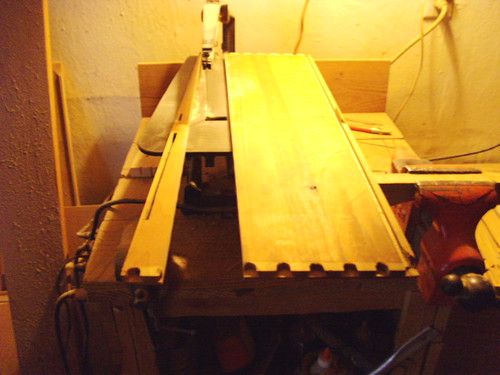 Straightening the board to the glue up | by Littlecope