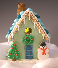 Sugar Cookie Cottage | by kellbakes for CraftyBaking.com