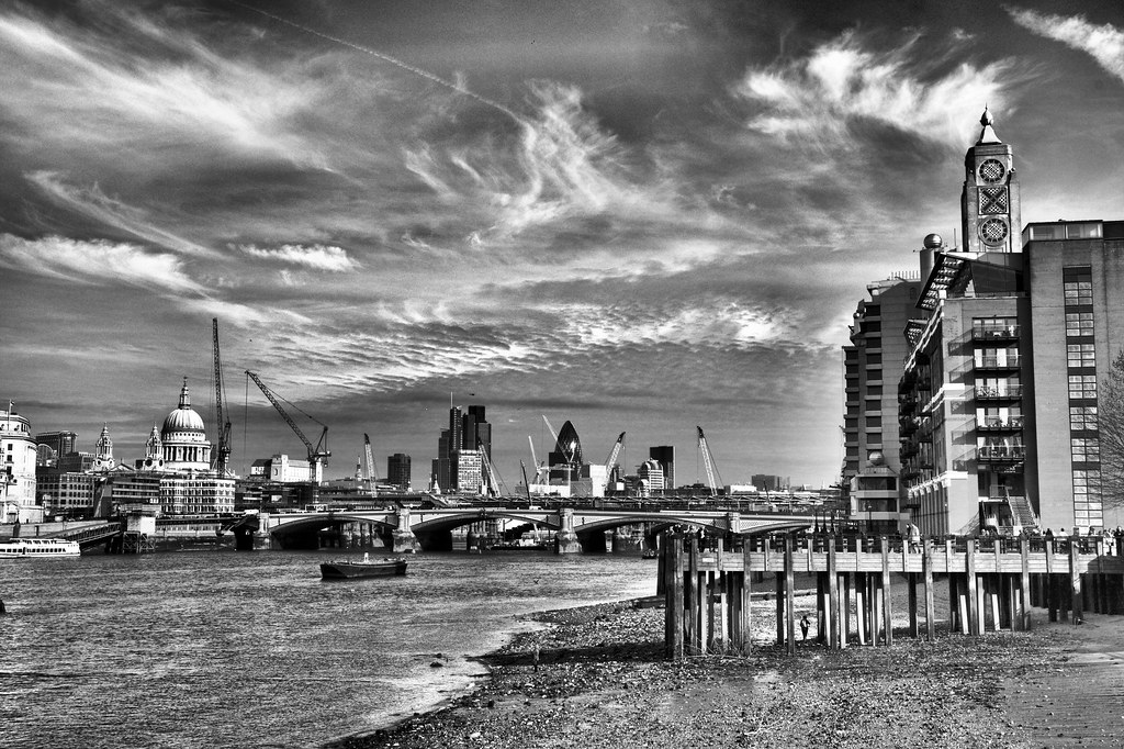 London skyline black and white with added OXO | Another ... | 1024 x 682 jpeg 399kB