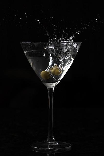 Martini Splash   Olive falling in a Martini cocktail. Setup …   Flickr
