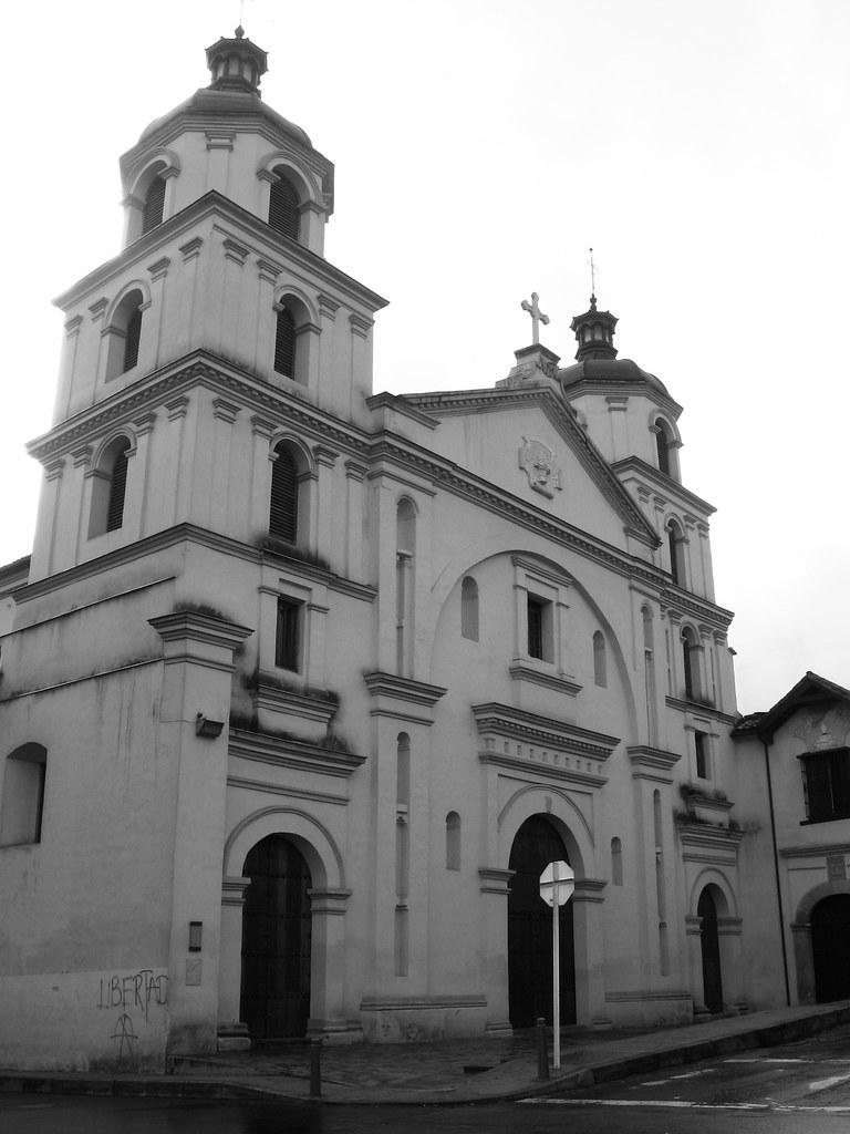 Iglesia en blanco y negro. Bogotá, Colombia | Una de las ...