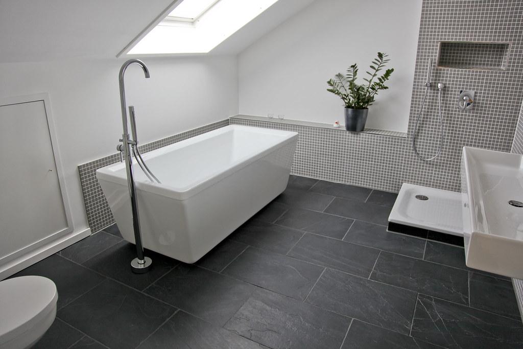 schiefer fliesen im badezimmer jonastone flickr. Black Bedroom Furniture Sets. Home Design Ideas