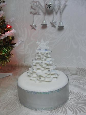 christmas cake stacked icing tree christmas cake with ...