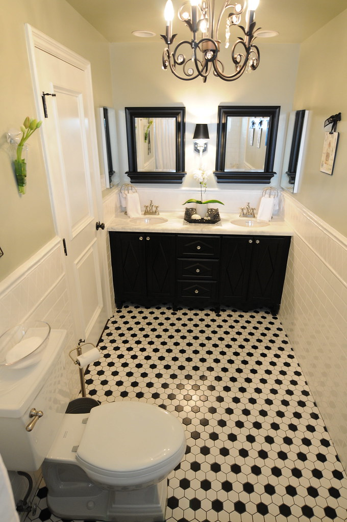Black And White Bathroom Interior Design