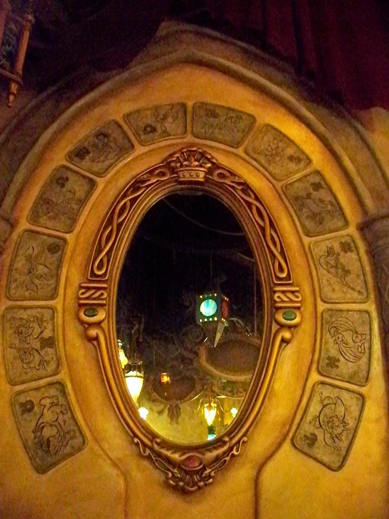 inside the magic mirror realm in the sorcerer u0026 39 s workshop i