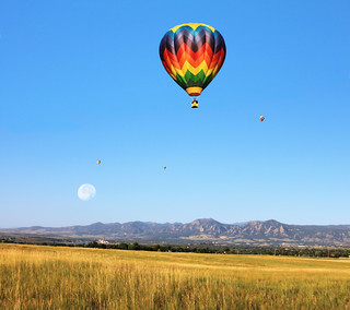 balloon over rockies | by jodi_tripp