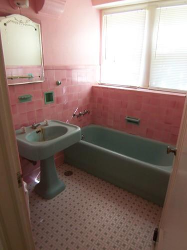 vintage pink tile bathroom from 1920 39 s benfp2000 flickr