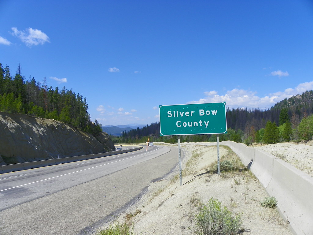 silver bow county Silver bow county, mt has a population of 34,549 people with a median age of 406 and a median household income of $37,749 between 2014 and 2015 the population of silver bow county, mt grew.