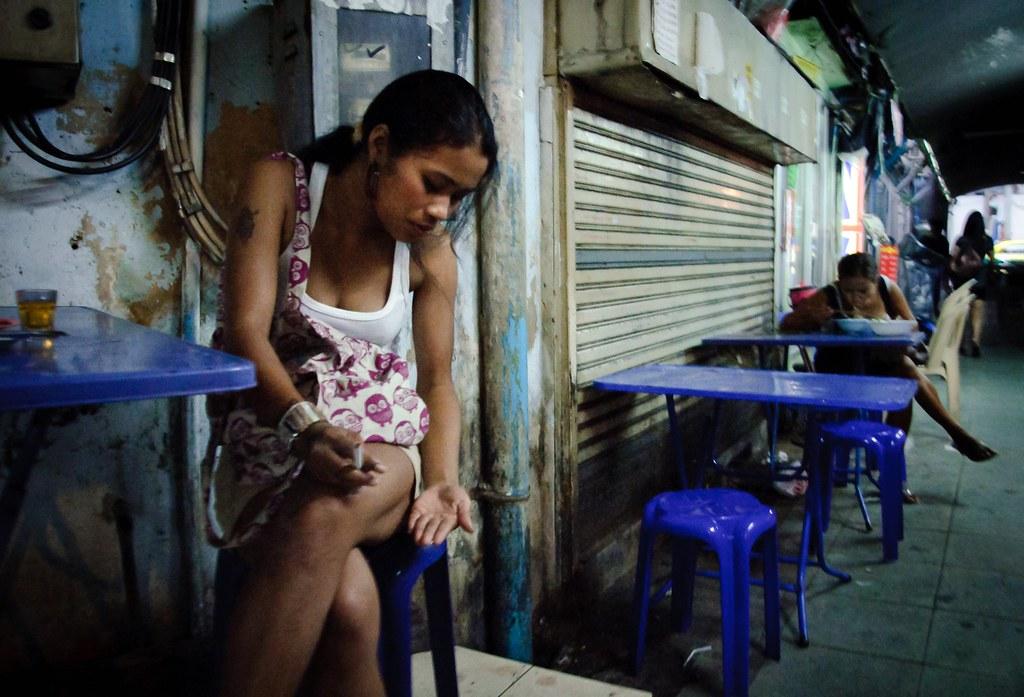 Thai whore in hotel rom