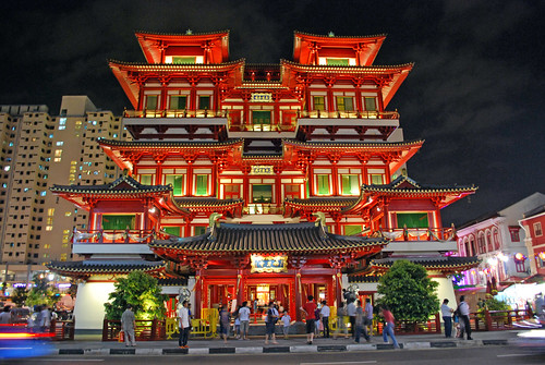 Buddha Tooth Relic Temple at Night, Chinatown, Singapore | by conray