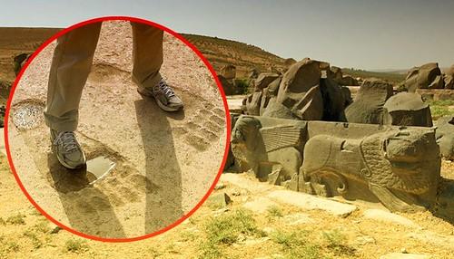 Ain-Dara-Massive-Footprints