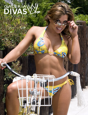 summer skin mickie james 15 | mas fotos aqui