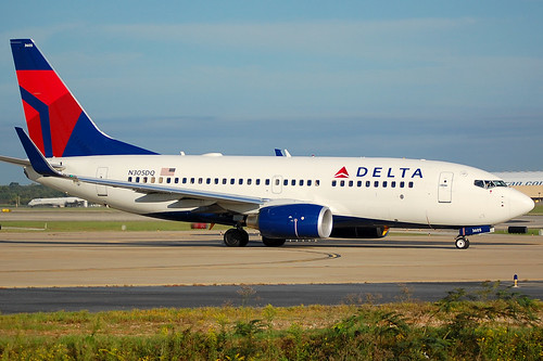 Delta 737 700 N305dq Brand New 737 700 In The Beautiful