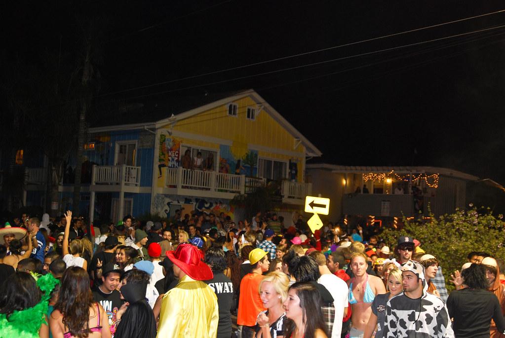 Ucsb Halloween Isla Vista Halloween 2...