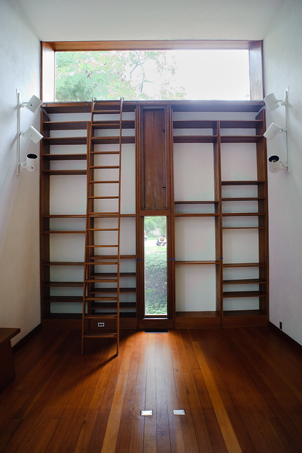 Margaret Esherick House Bookshelves. Photo by Jon Reksten via Flickr.