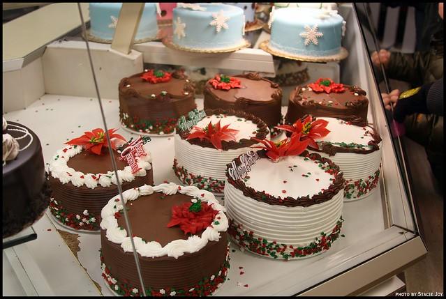 Cake boss cupcakes take the cake flickr - Decorazioni torte natalizie ...