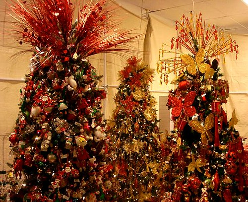 macys christmas trees hawaii 2009 by rick romer - Macys Christmas Decorations