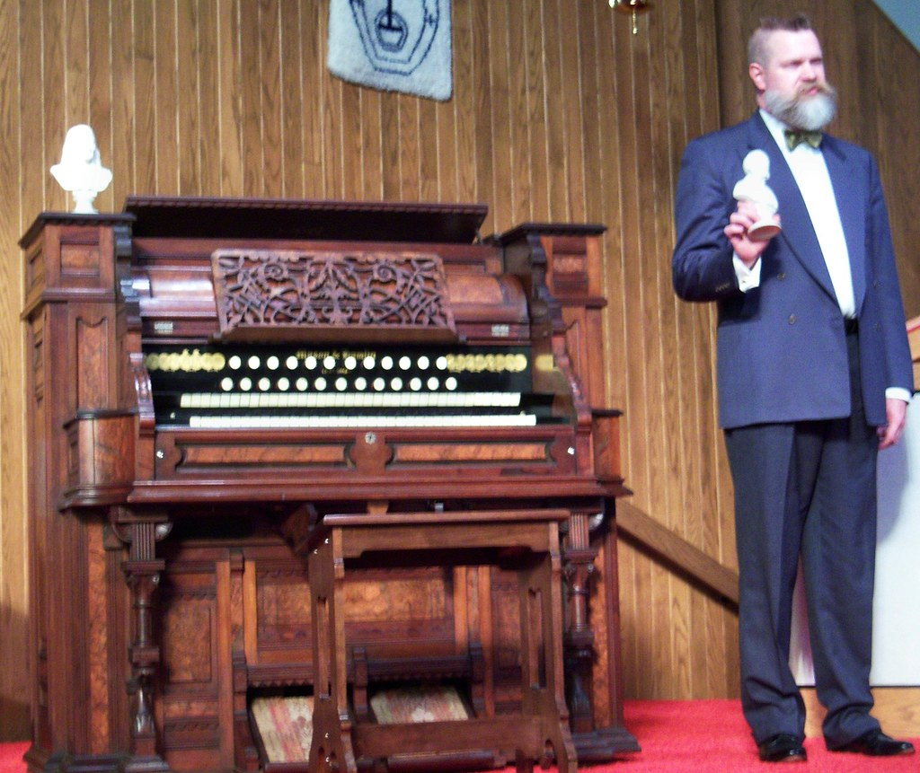 michael hendron making opening remarks prior to playing co flickr rh flickr com Largest Pipe Organ Church Organ