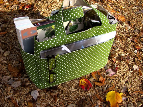 dotty green tote | by lifeonflower