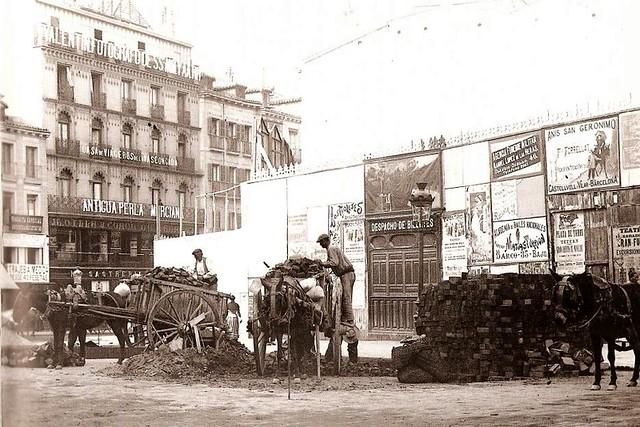 1902 calle de sevilla a la derecha el solar donde se - Calle castello madrid ...
