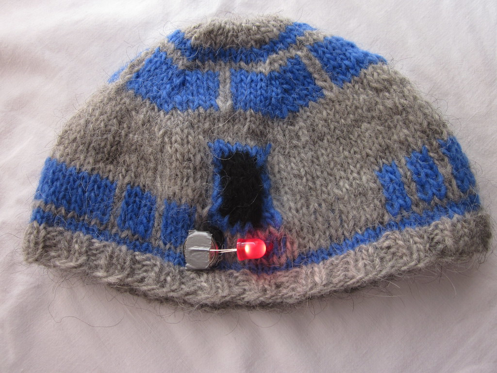 R2d2 Hat Knitting Pattern : R2D2 Knit Hat Debuted at Maker Faire 2011 in San Mateo. Pa? Flickr